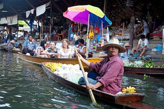 Рынок на реке Квай