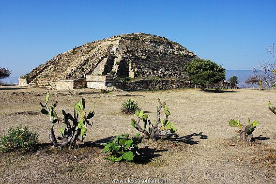 Пирамида Монте Альбана