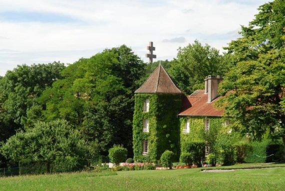 Деревня Коломбье-ле-Дез-Эглиз