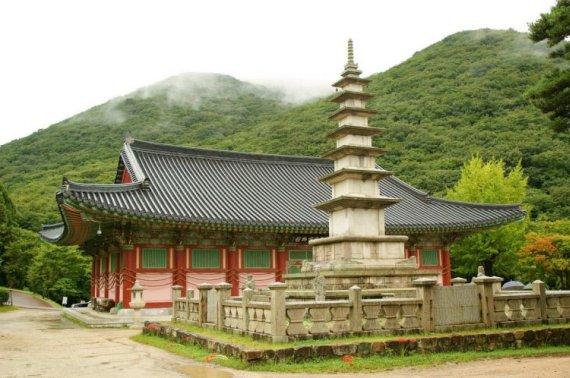 Храм Помоса Пусан Корея