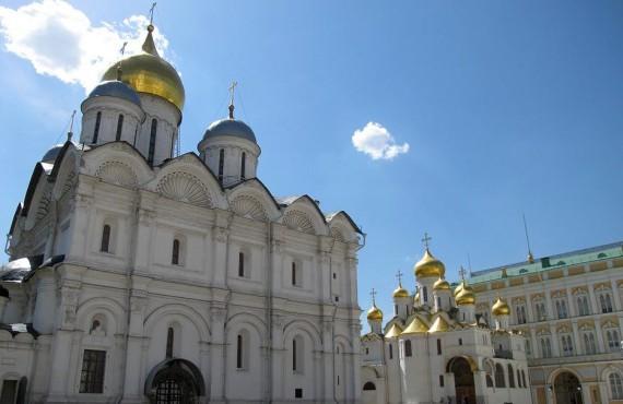 Соборы Московского Кремля: Успенский и Архангельский
